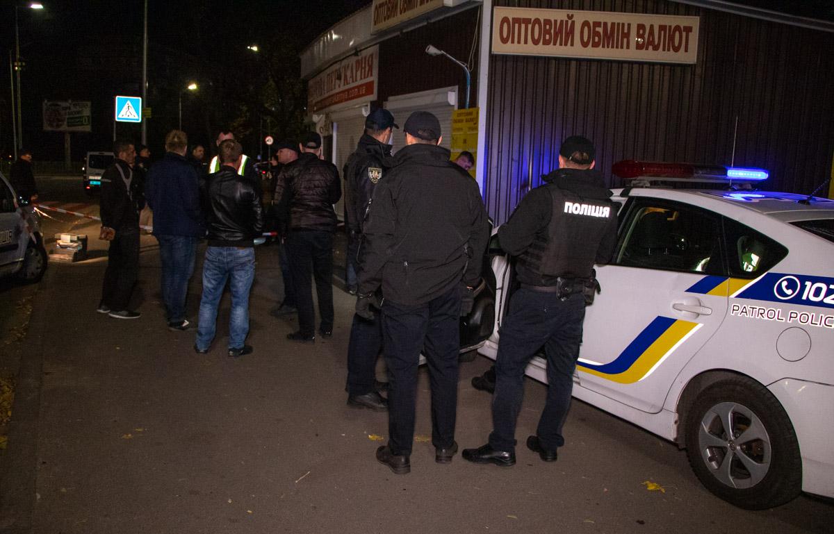 Полицейские, которые прибыли на вызов о массовой драке, обнаружили тело молодого парня