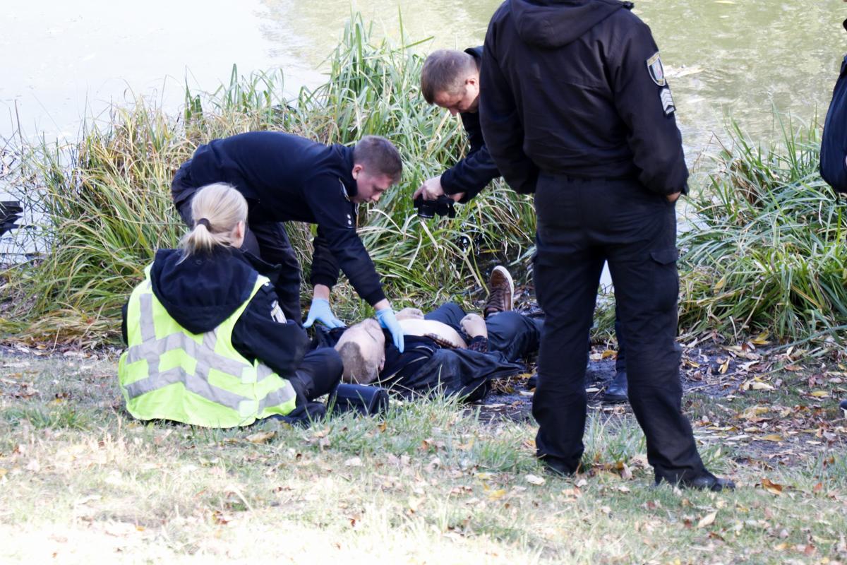 У мужчины был расчесан лоб, других видимых травм криминалисты не обнаружили
