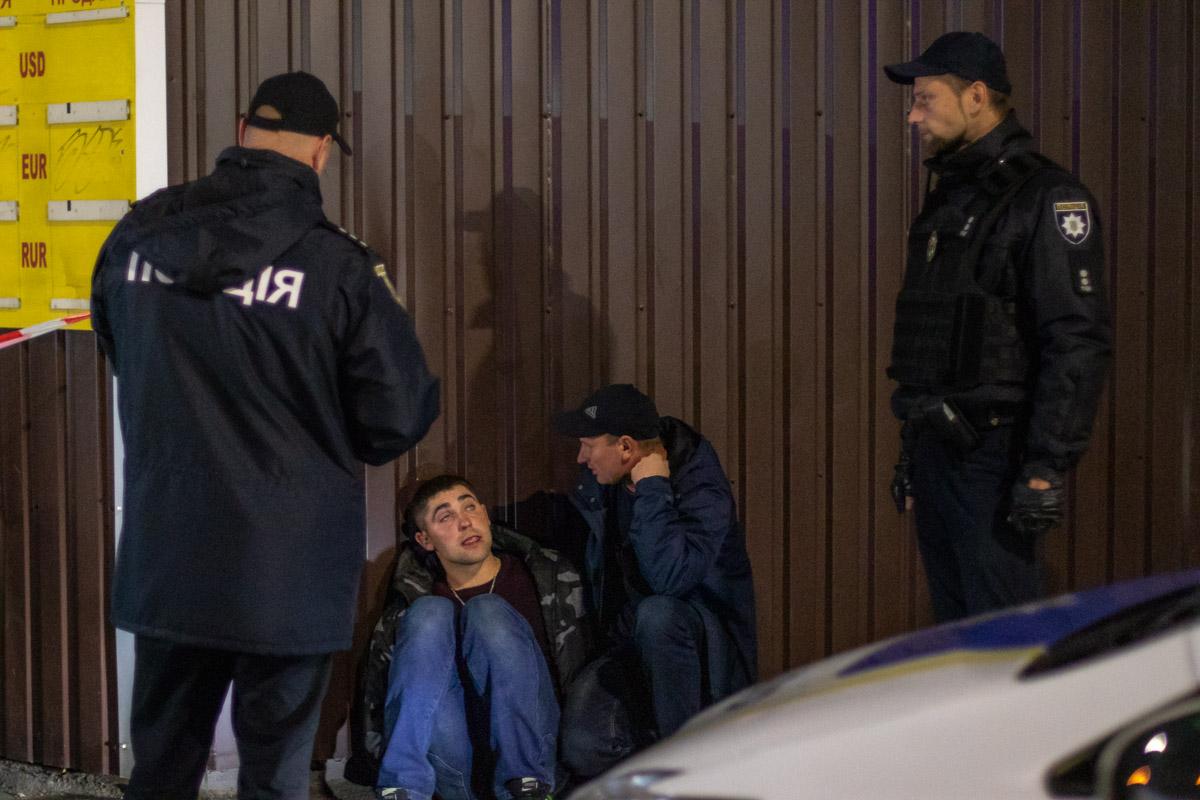 На месте полицейские задержали брата погибшего