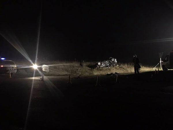 В результате столкновения двух легковых автомобилей погибли четверо людей, двое из них - дети