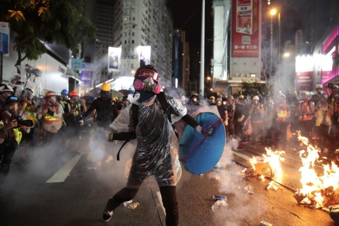Осада университета в Гонконге: за сутки арестовали более тысячи человек
