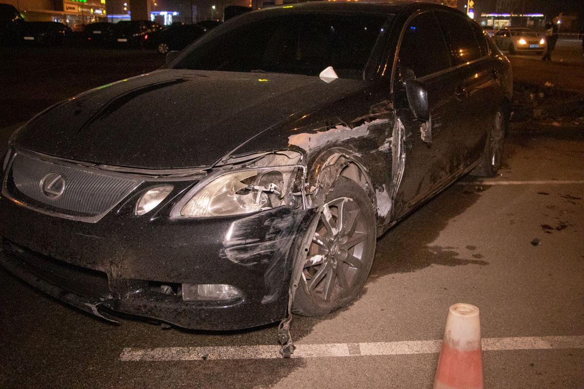 По предварительной информации, Renault подрезал Lexus