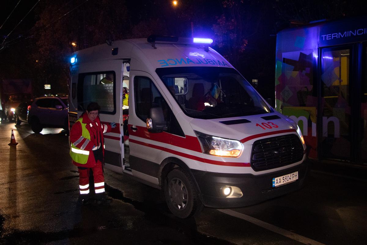 На месте работали несколько карет скорой помощи
