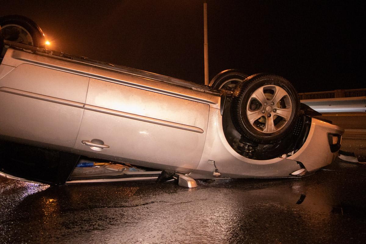 Водитель Kia получил повреждения и попал в больницу