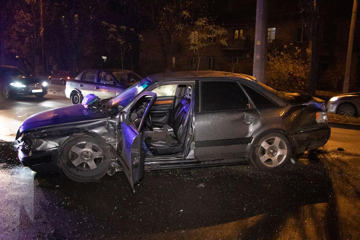 В результате оба авто получили серьезные повреждения