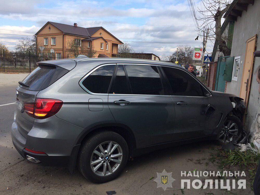 Под Киевом мужчина сбил беременную женщину