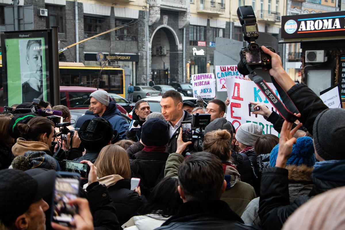 Виталий Кличко сказал, что его главная задача - наполнять бюджет и восстановить все здания