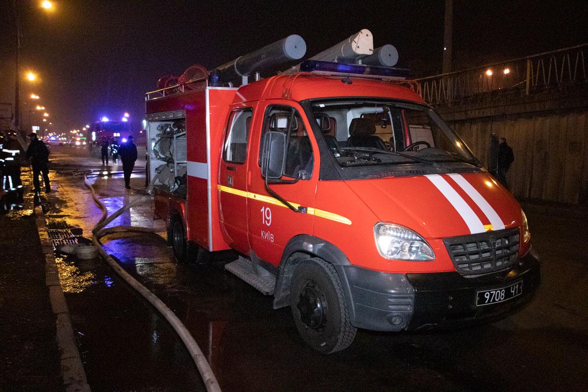 Площадь пожара достигла 60 квадратных метров