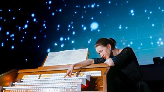 Гости вечера смогут насладиться масштабным звучанием необыкновенного органа