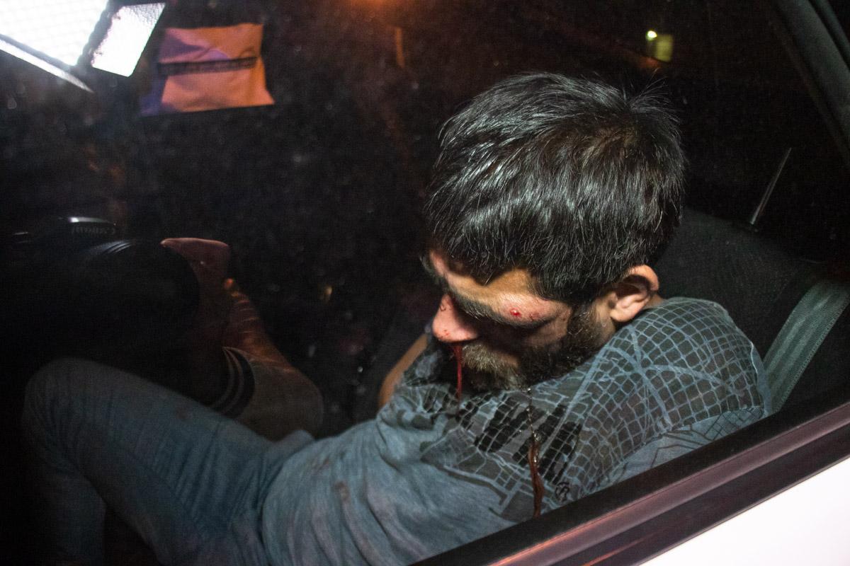 Пьяный водитель внедорожника Honda CR-V разбил девять автомобилей и пытался скрыться