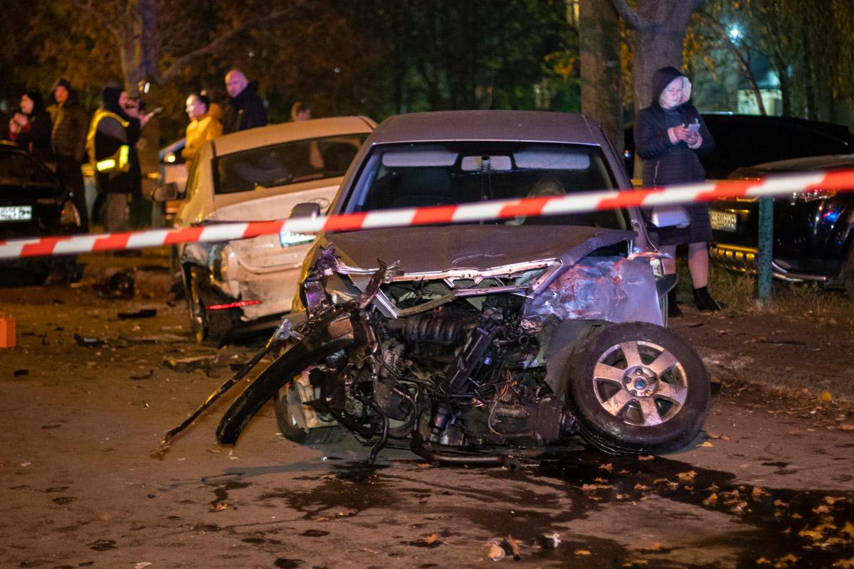 Массовую аварию мужчина устроил на улице Семьи Сосниных