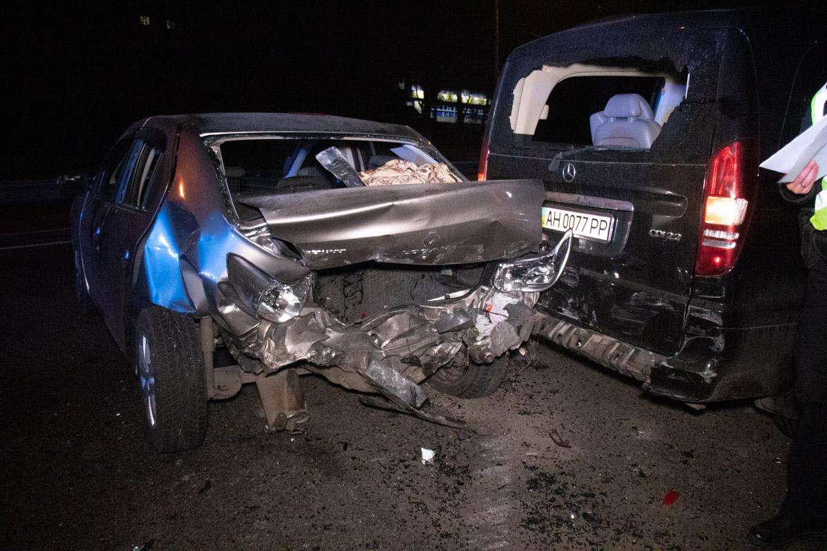 Позже стало понятно, что двое водителей (Mercedes W220 и BMW) незаметно покинули место инцидента