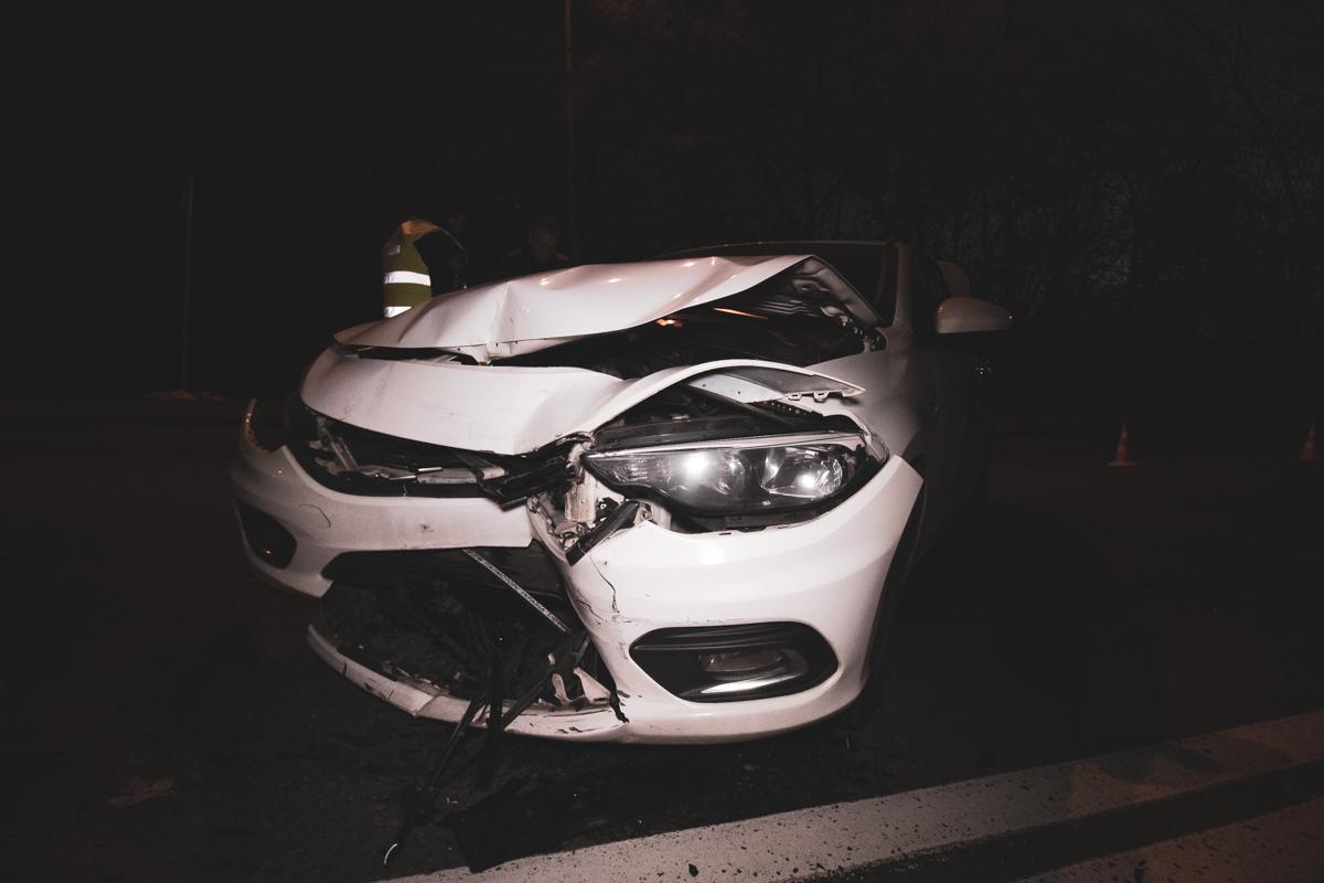 Honda протаранила такси и скрылась