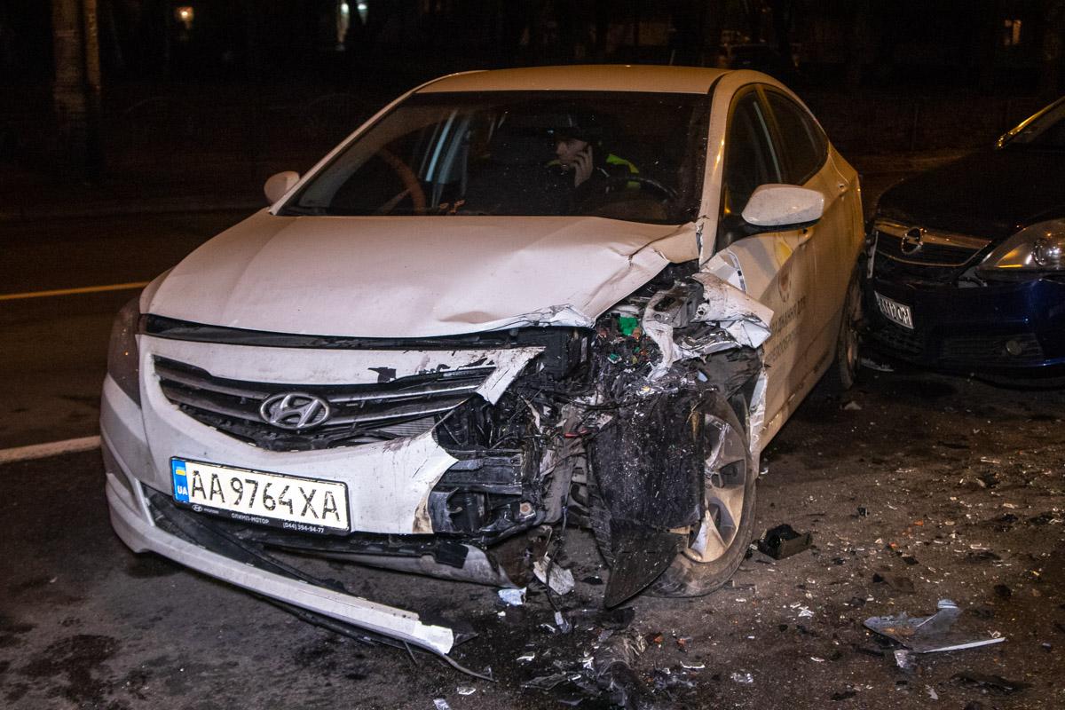 ВАЗ вылетел на встречную полосу и протаранил Hyundai