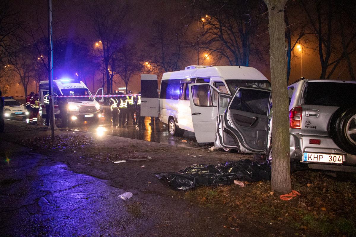 В результате аварии погибли два человека