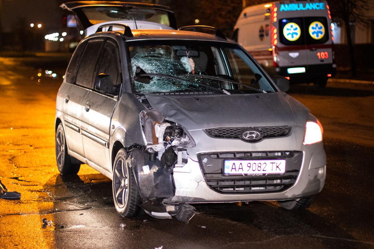 В Деснянском районе Киева по адресу улица Пуховская, 7 HyundaiMatrix сбил женщину