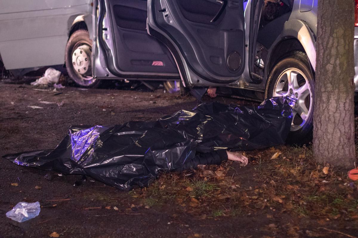 Медики пытались откачать пассажира, но реанимация не дала результатов