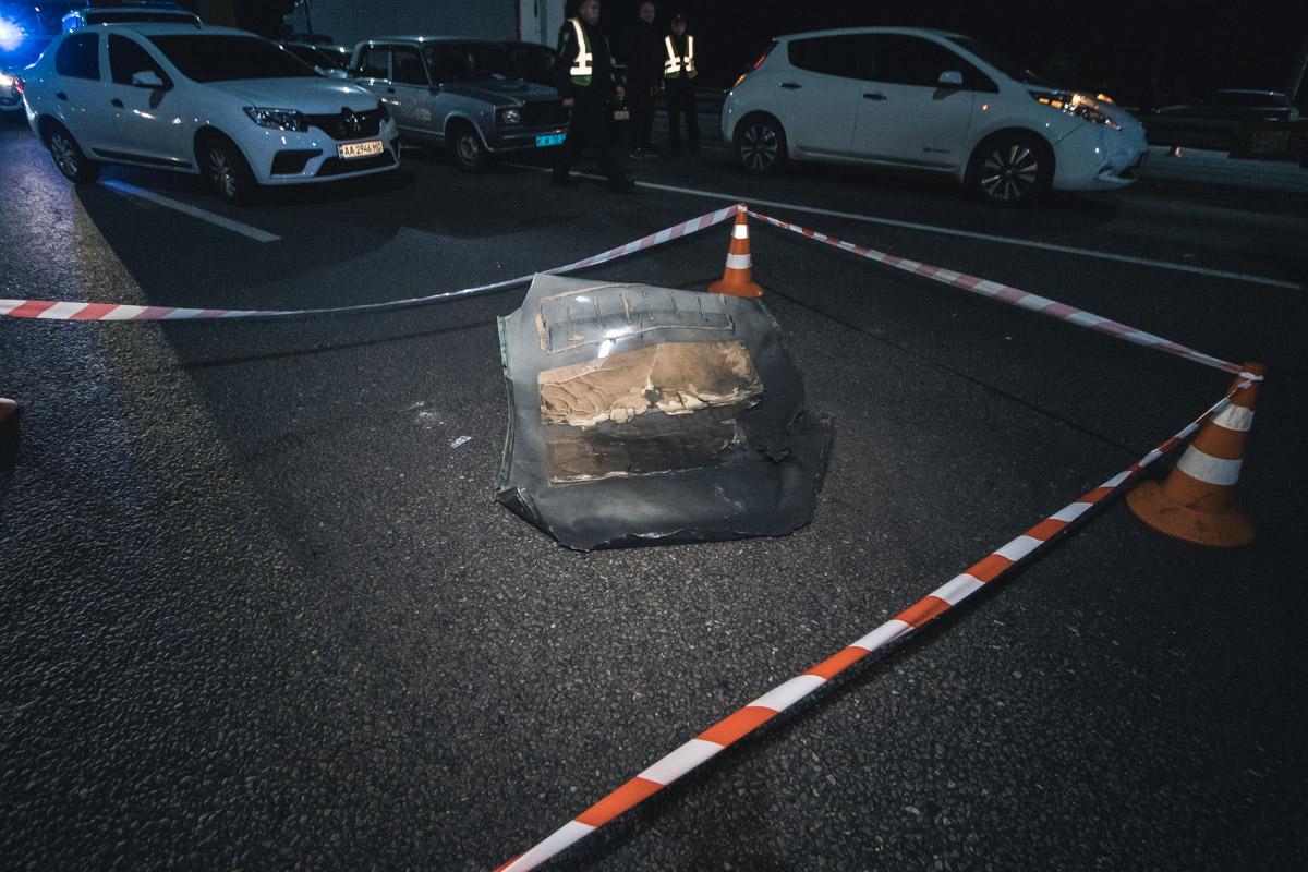 Взрывчатку положили на крышу Mercedes