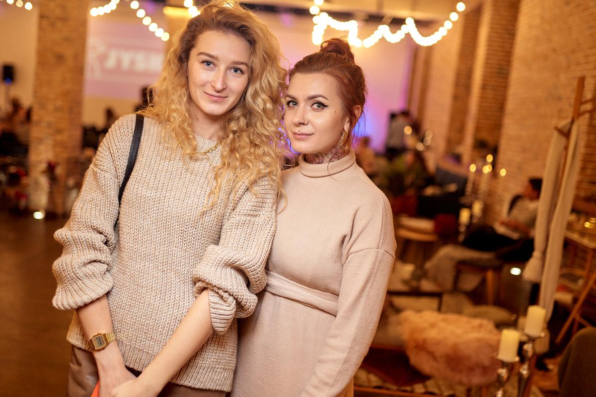На вечеринке были настолько известные блогеры Киева, что стыдно не знать их имен