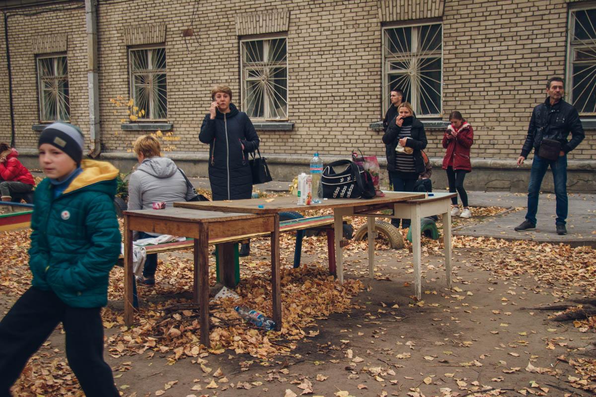 В общежитии на улице Полевая в Киеве вспыхнул конфликт с участием местных жителей и неизвестных людей в форме