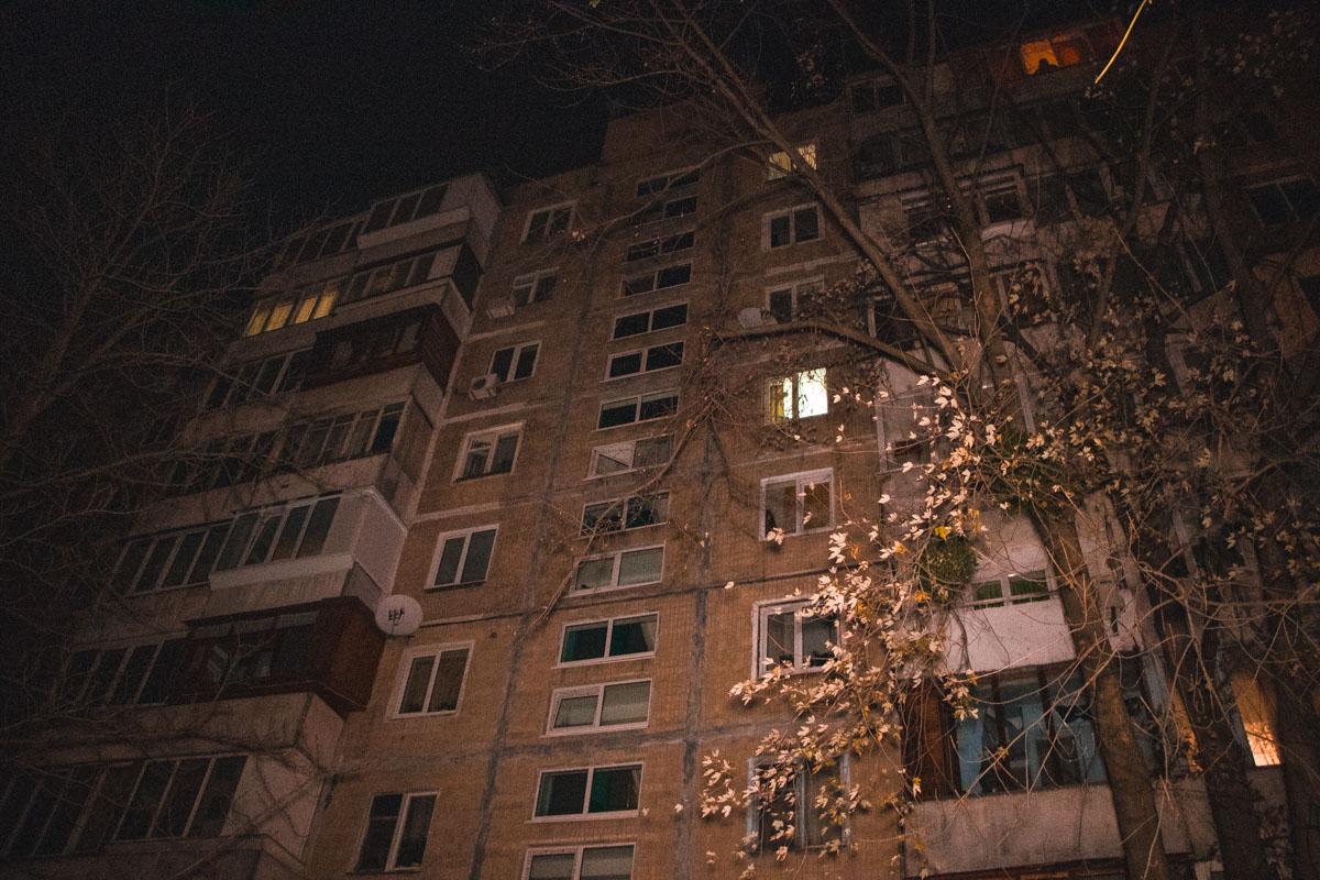 Очаг огня находился между 6 и 7 этажами