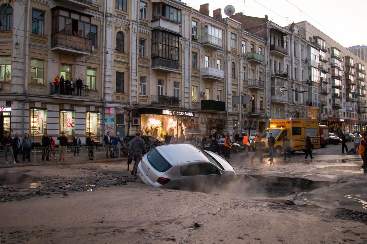 Авария произошла напересечении улиц Саксаганского и Шота Руставели