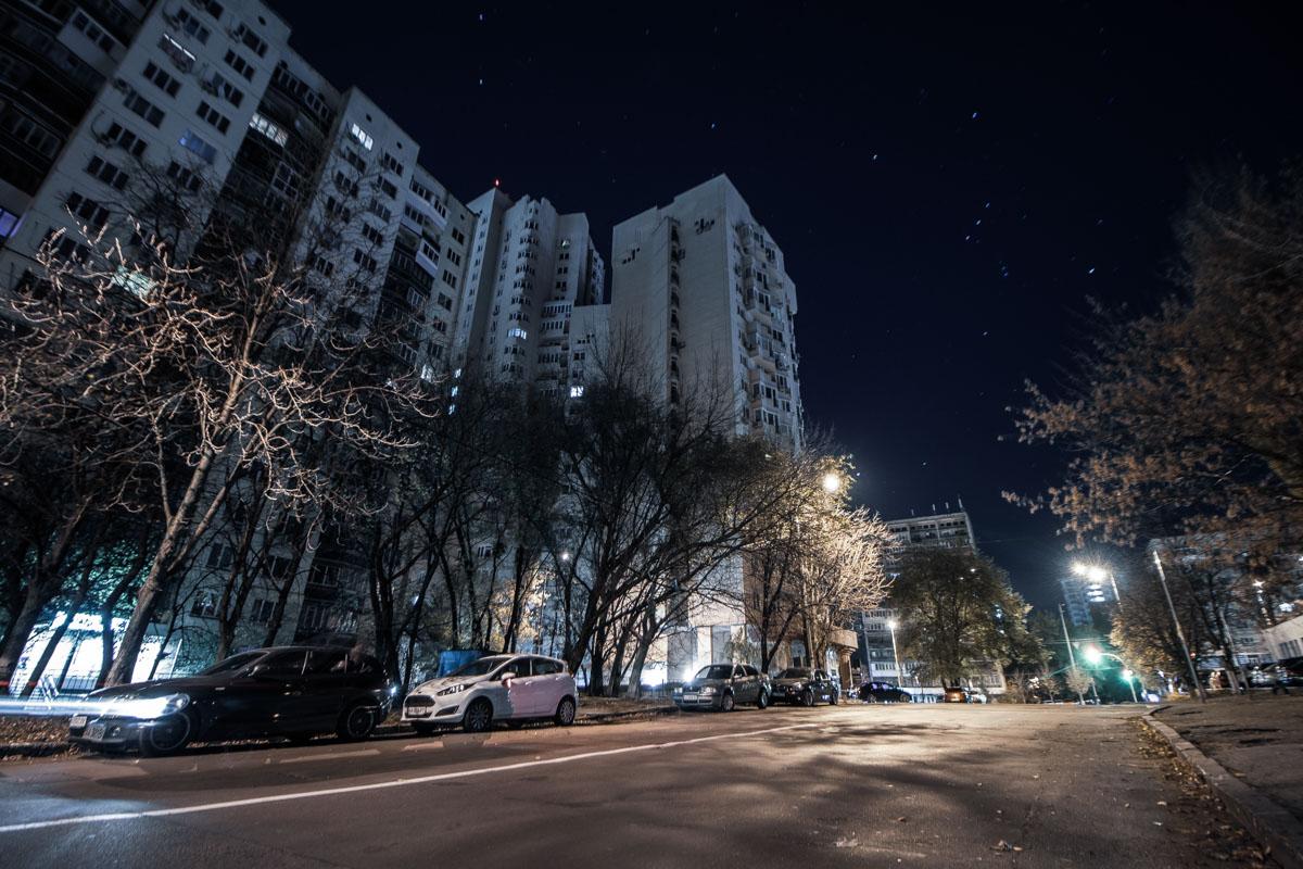 Вдали видно, как Стадионная примыкает к улице Митрополита Василия Липковского