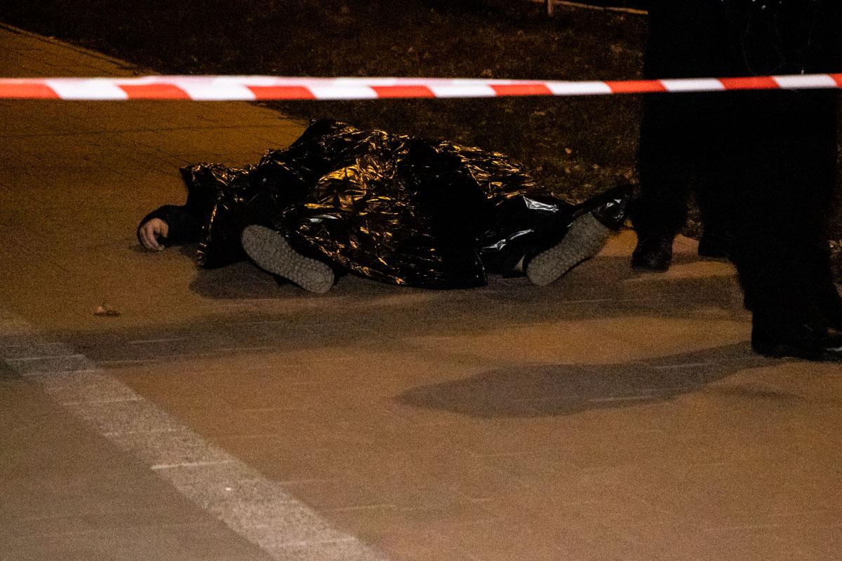 По словам очевидцев, смерть наступила после удара в голову