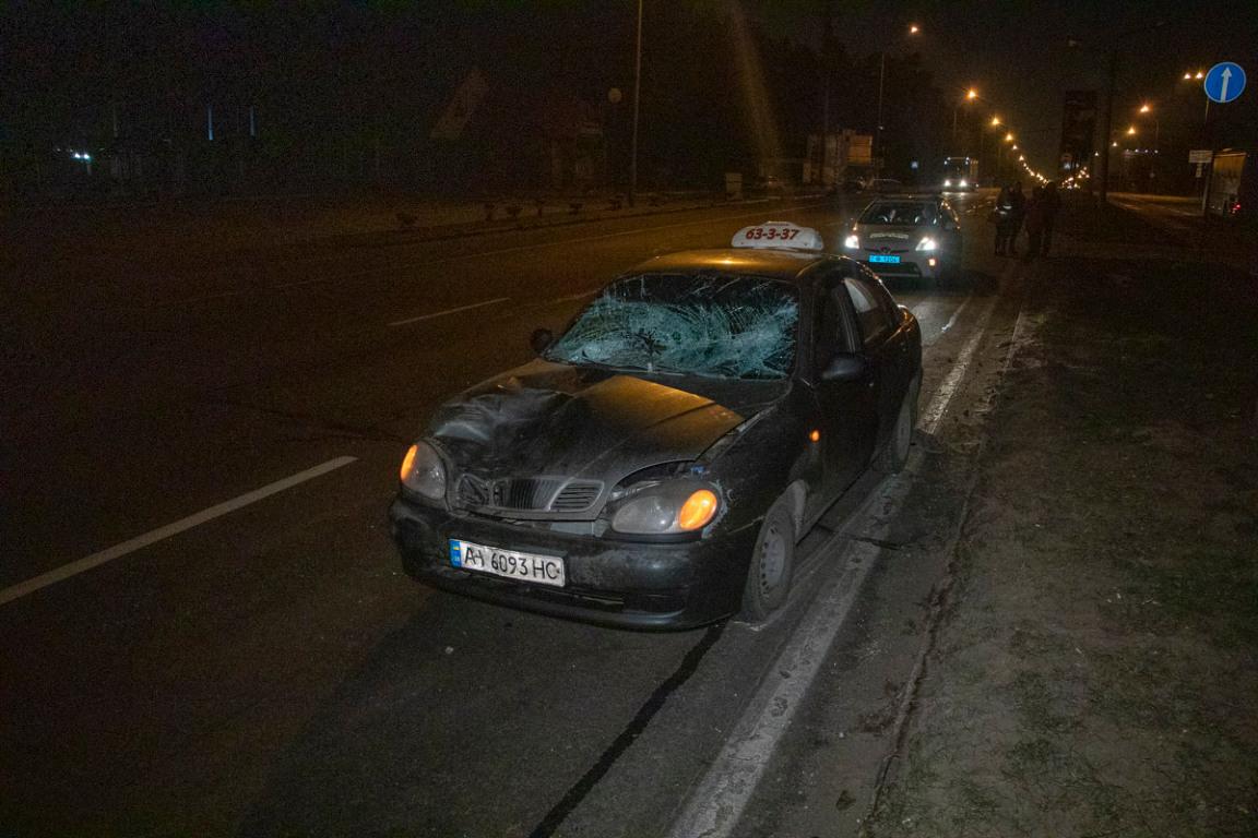 Водитель такси Daewoo Lanos сбил пешехода