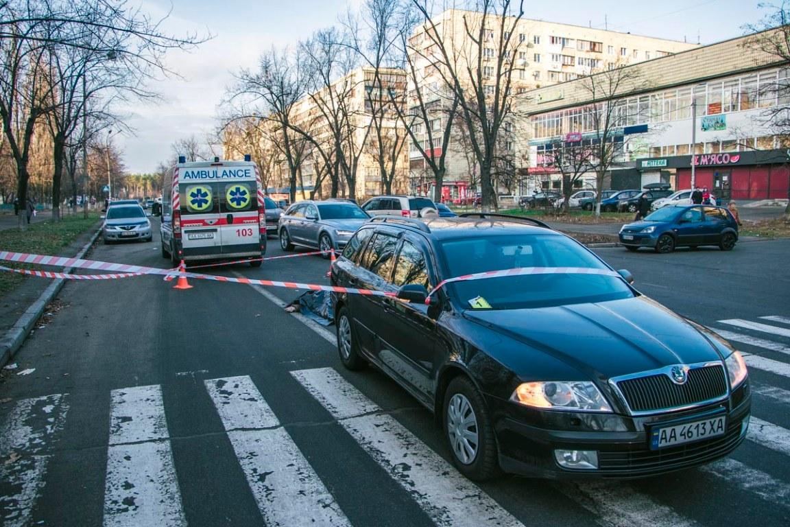 Автомобиль Skoda Octavia сбил насмерть женщину