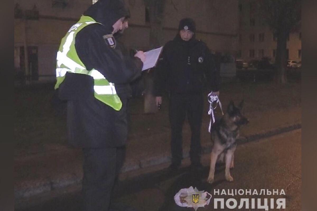 В Киеве на Тычины задержали мужчину, стрелявшего в знакомого своего отца