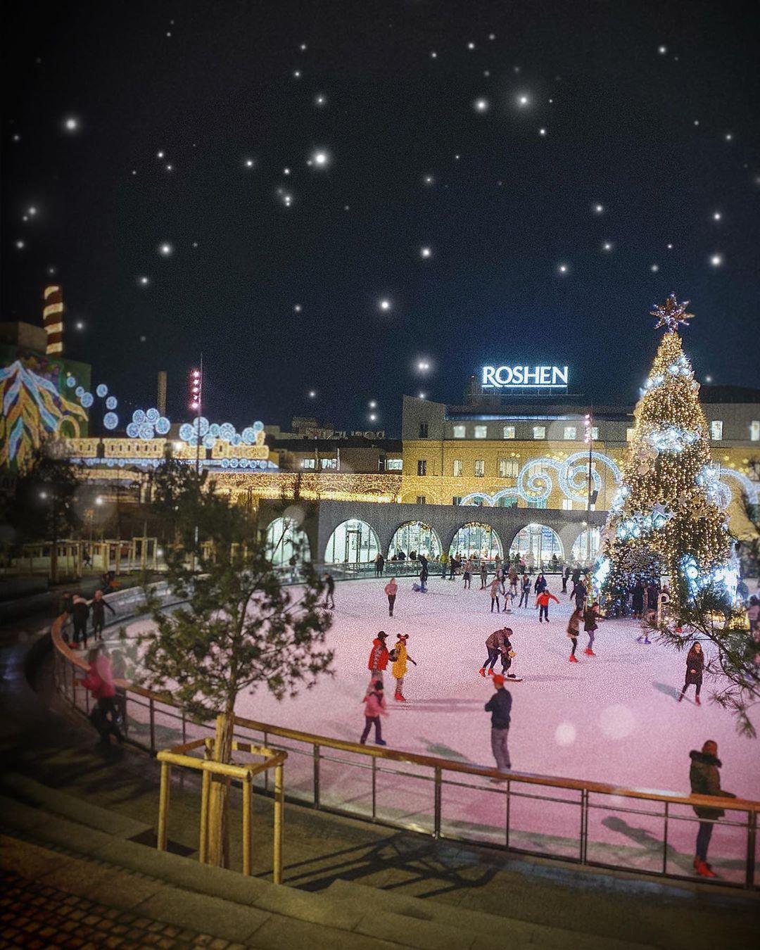 Не покидая Киева можно попасть в настоящую новогоднюю сказку. Фото - @evelinapopova