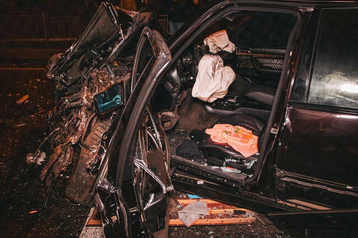 В Броварах Mercedes устроил масштабную аварию