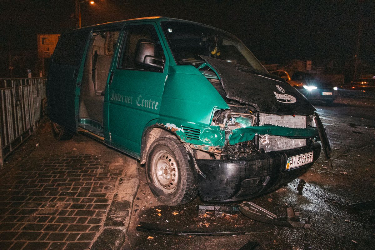 По словам водителей, из Mercedes вышел пьяный мужчина