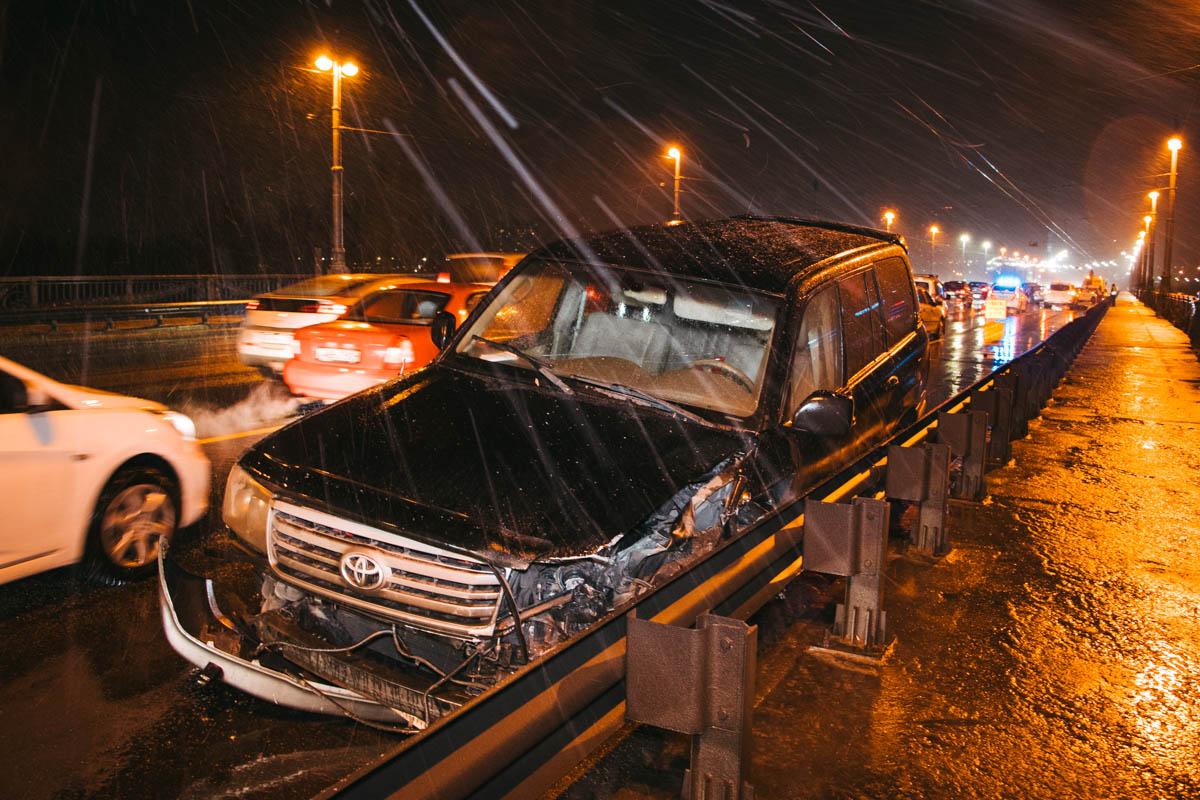 По словам очевидца, водитель Toyota находился в состоянии или алкогольного, или наркотического опьянения