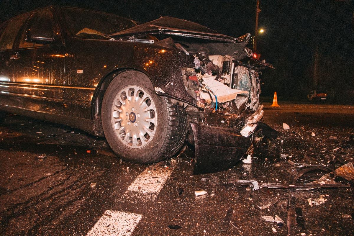 Водитель немецкого авто протаранил 4 автомобиля