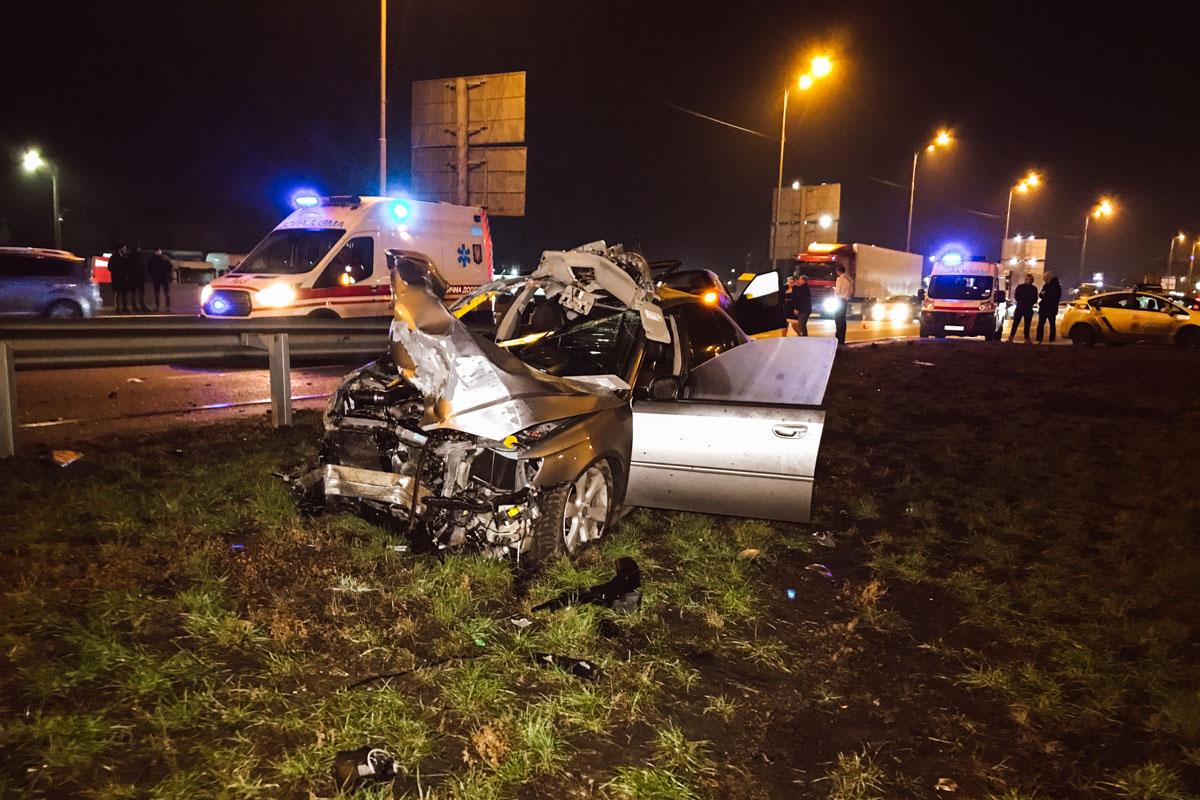 Столкнулись автомобили Skoda Fabia службы такси Bolt и Subaru Legacy