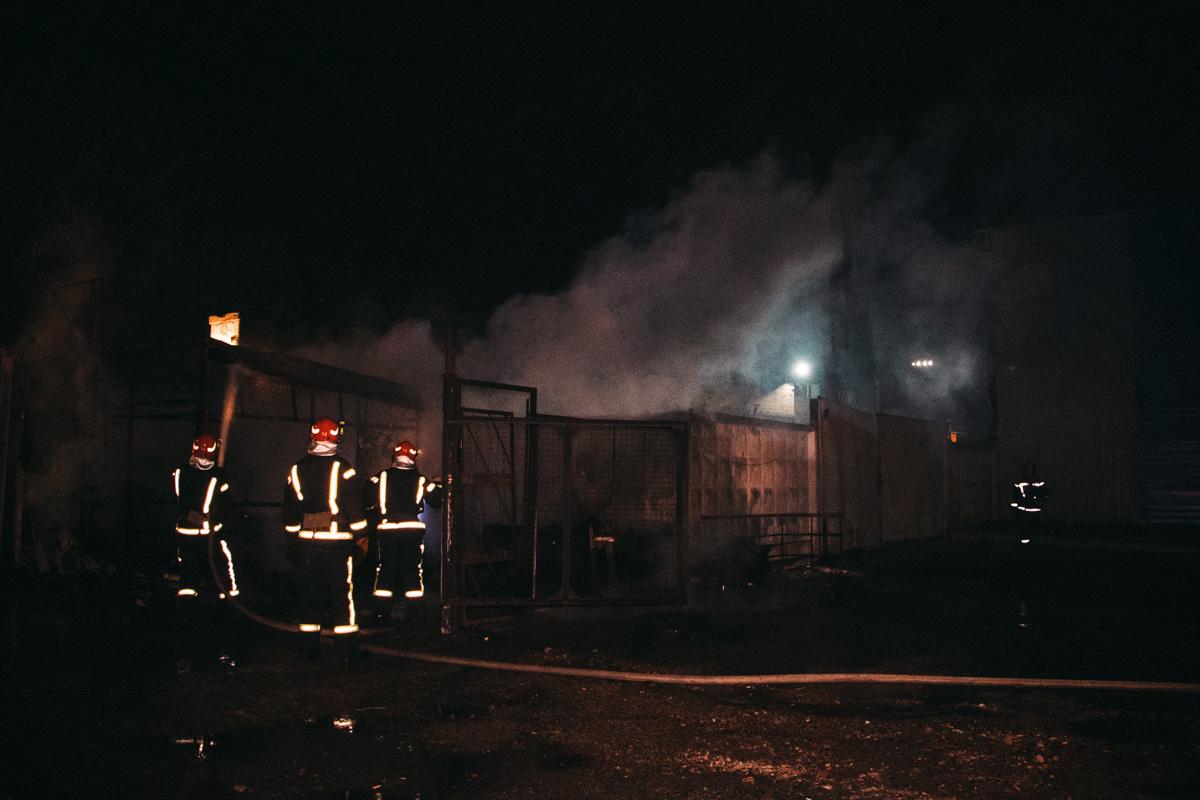 Пламя охватило 60 квадратных метров здания