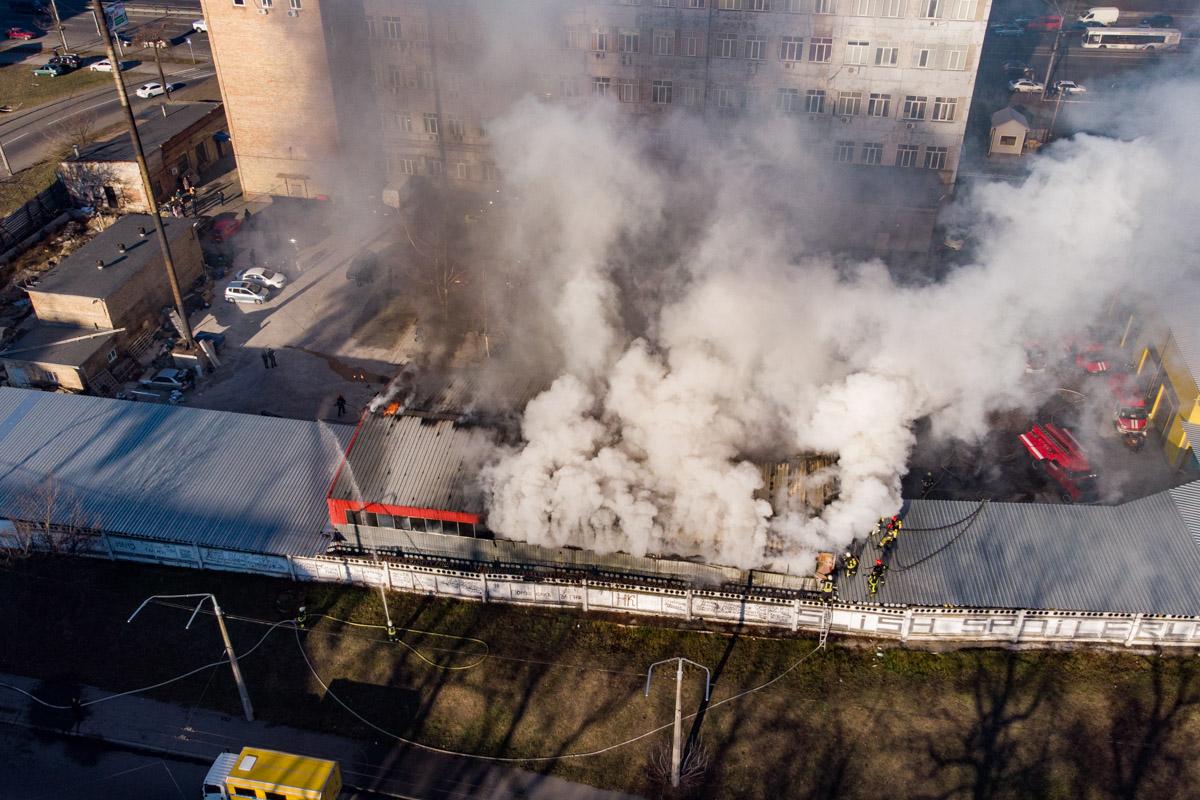 Пожар охватил 500 квадратных метров площади