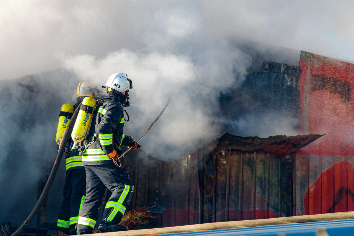 """Работники офисных помещений на фабрике """"Каштан"""" сообщили, что в горевшем здании раньше людей не наблюдалось"""