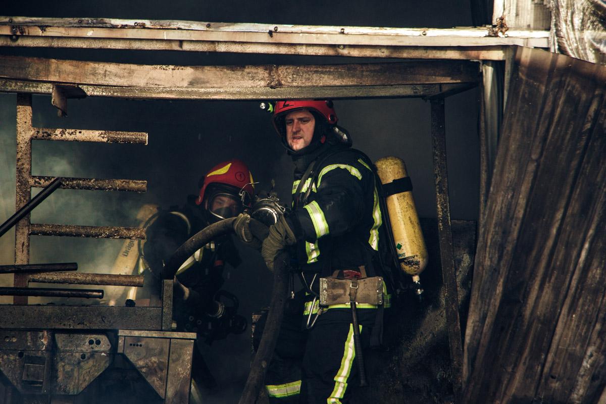 В 12:32 объявили о локализации пожара