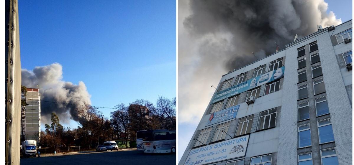 В пятницу, 6 декабря, в Киеве на проспекте Победы загорелись склады швейной фабрики «Каштан»