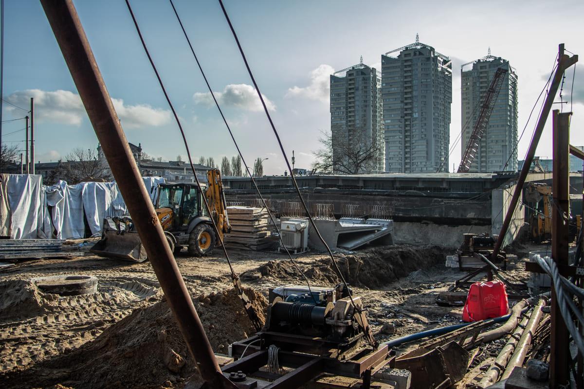 Впереди строительство подъездов к мосту