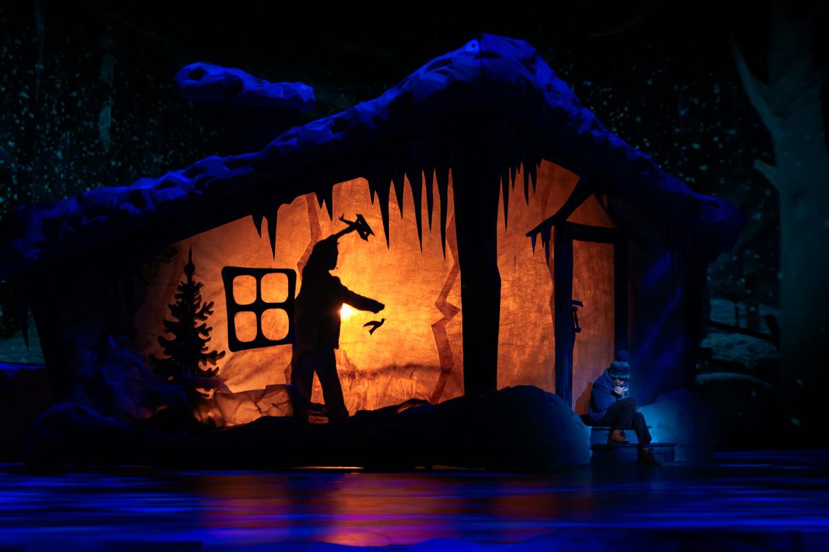 Кто прячется в этом сказочном домике?