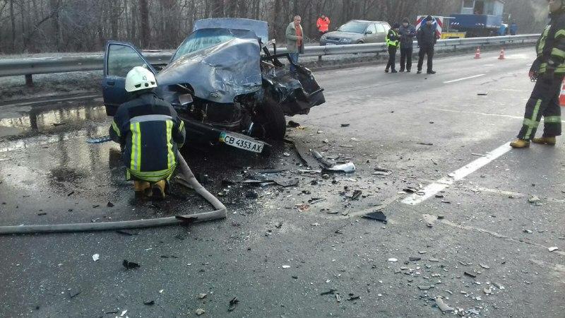 15 января на улице Братиславской столкнулись Ford Sierra иMitsubishi Pajero