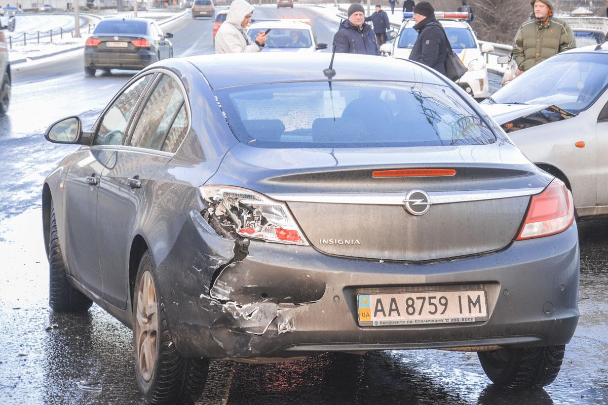 Во время торможения в «Славуту» въехал Lanos