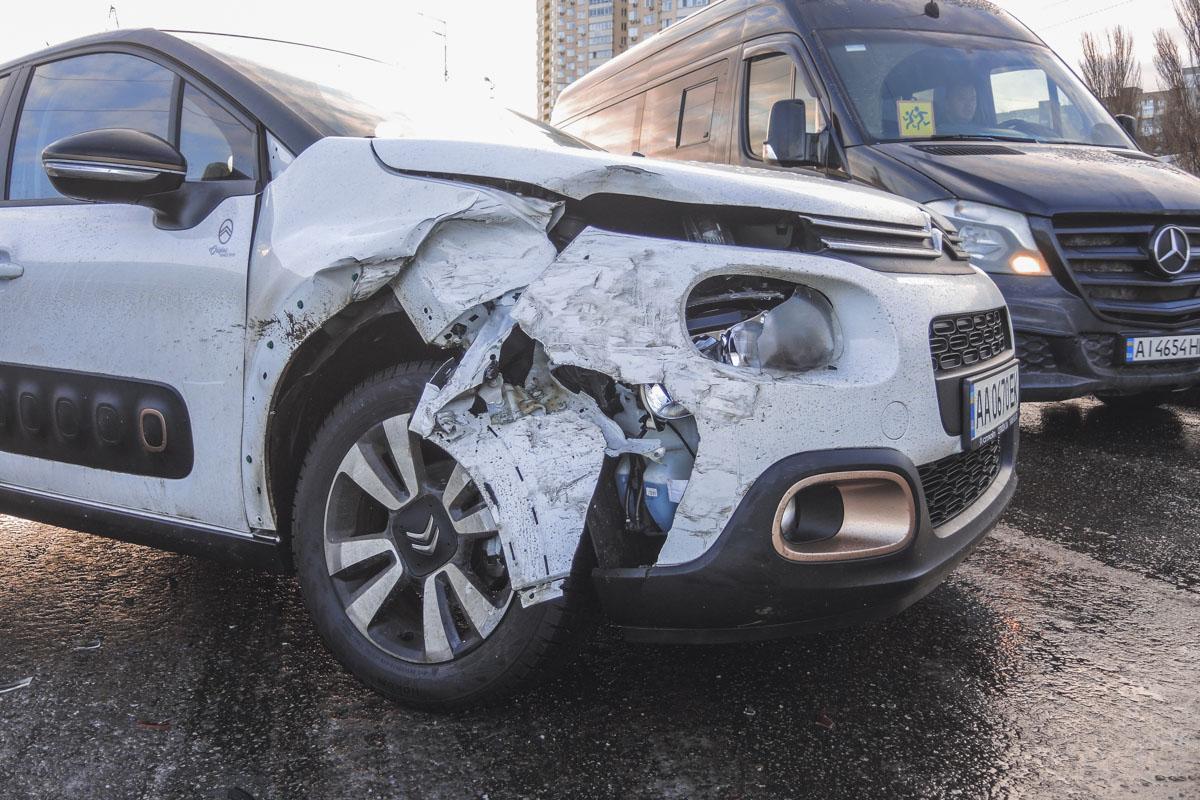 Пассажира одного из Lanos госпитализировали в больницу