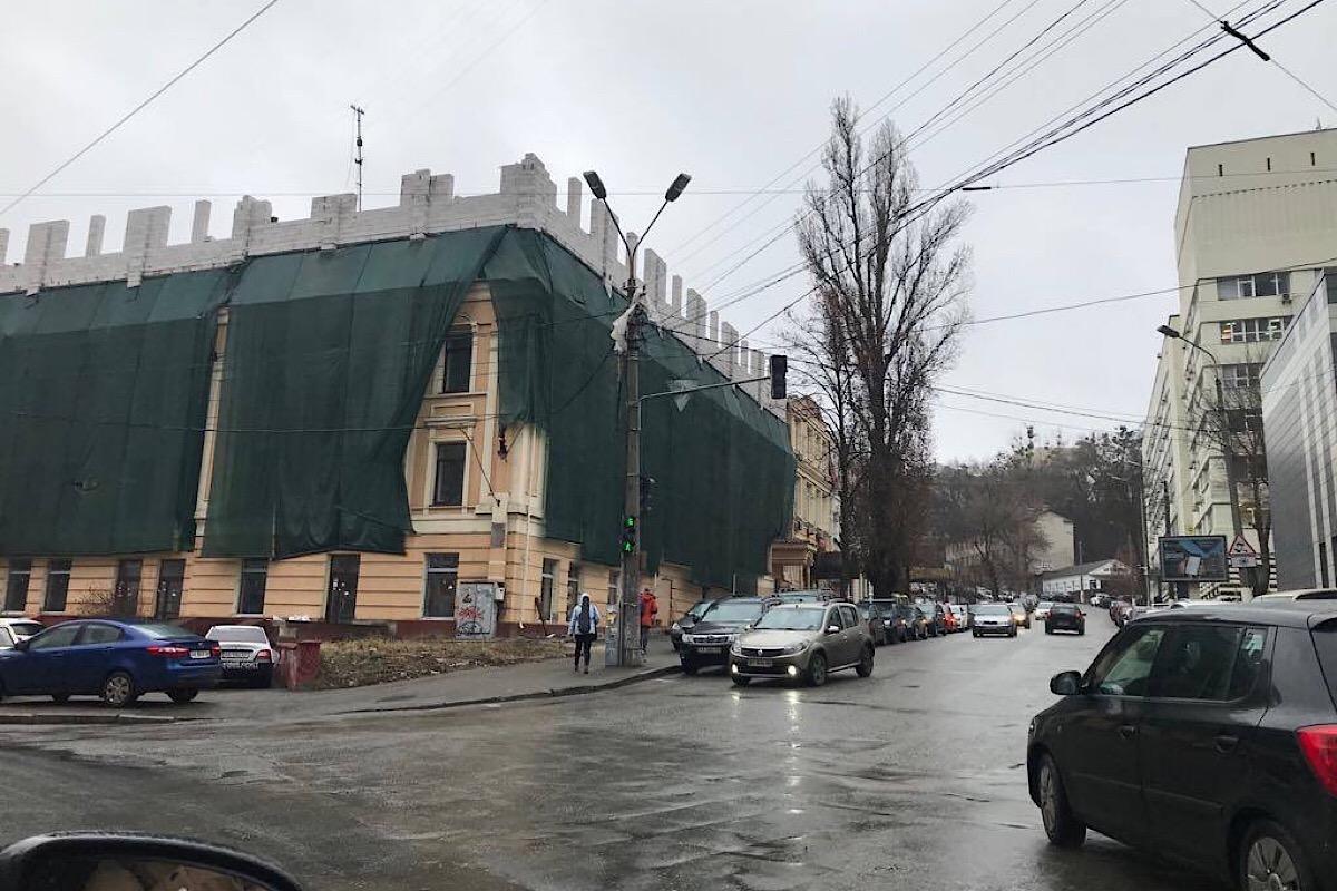 Здание находится по адресу улица Глубочицкая, 40