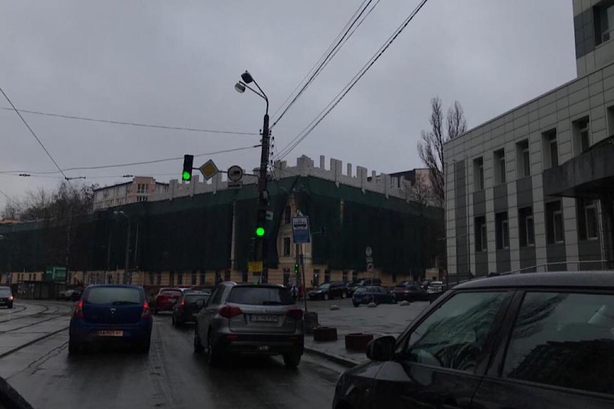Надстройка появилась на здании бизнес-центра