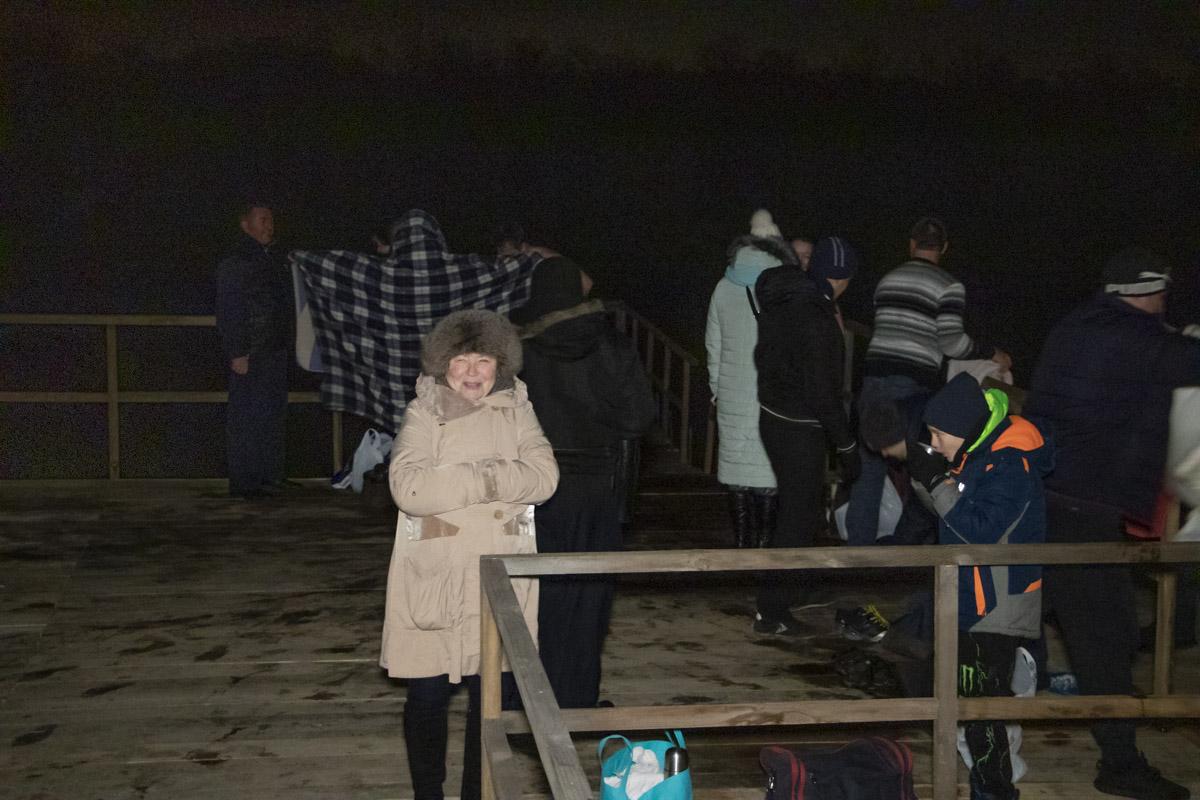 """В Киеве на Крещение на пляжах собираются """"моржи"""""""